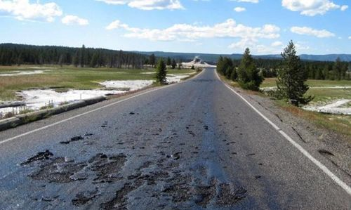 Yellowstone-road-melting-7-14